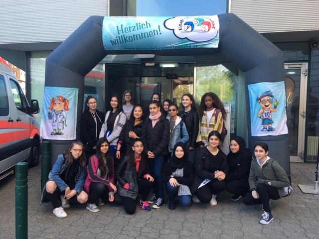 SchülerInnen beim Gesundheitstag
