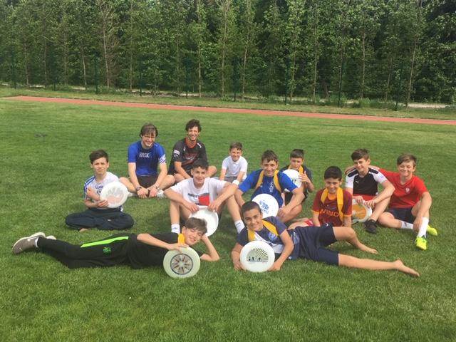 Schüler beim Frisbee Workshop